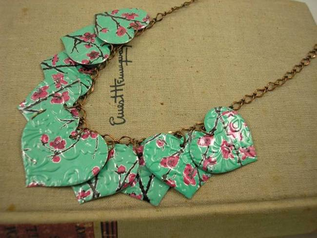 1420034176606998 Before You Throw Out Old Clothes and Jewelry, Read These 10 Upcycling Tutorials