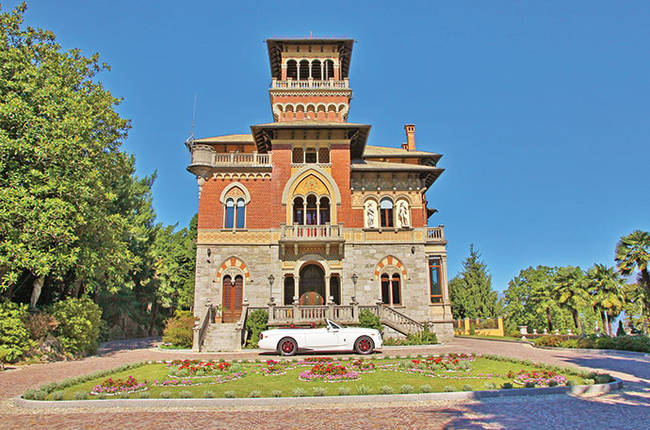 1420036253348761 These 6 European Castles Are Breathtaking...And On The Market?