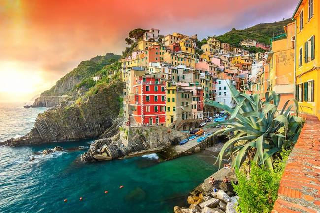 1420348163208411 12 Of The Most Beautiful Cities From Around The World Are Also Dangerous