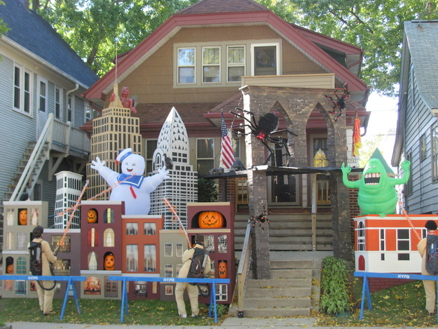 1420350048210995 These Neighborhood Houses Are Doing Halloween Better Than You.